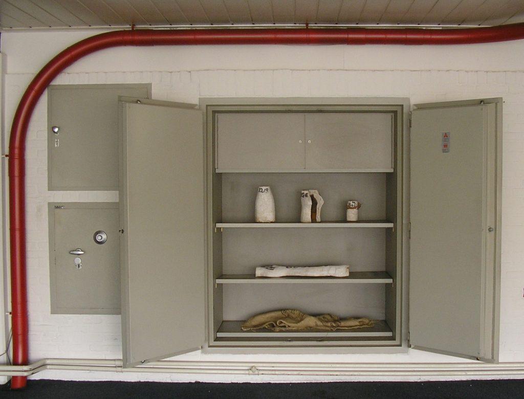 14-auto-auto-installaties-in-de-oude-fordgarage-venray-i-s-m-pepijn-de-jonge-2008