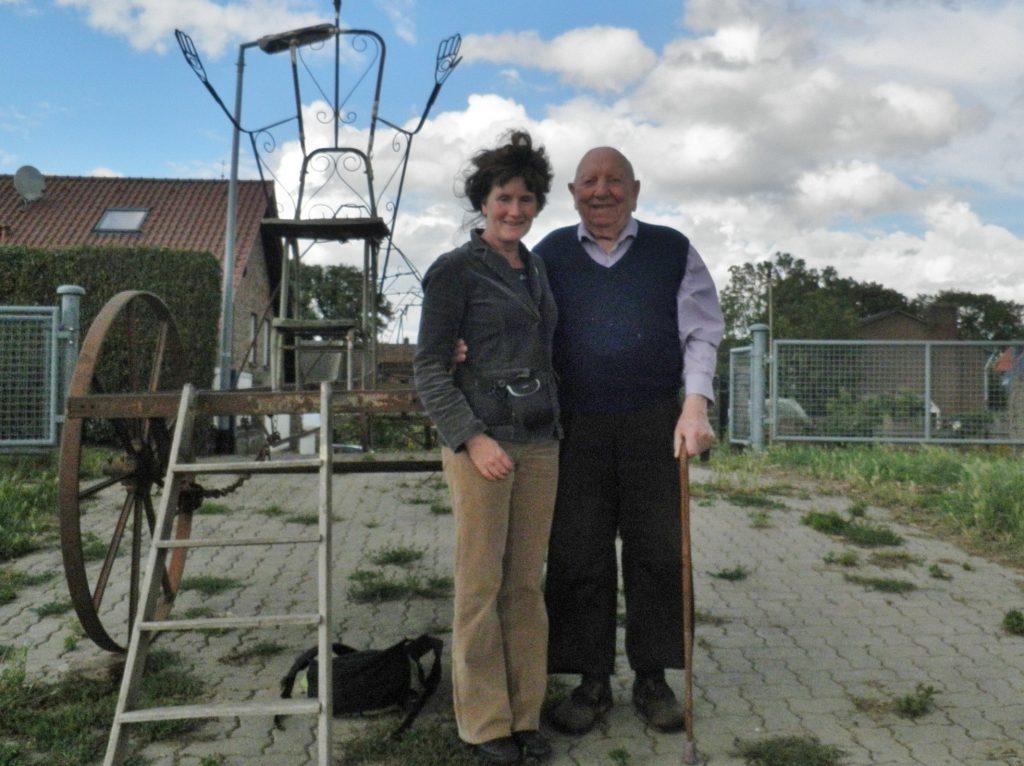 19-partner-co-op-de-foto-met-de-98-jarige-eigenaar-van-de-oude-melkkar-schenkenschanz-d-2011