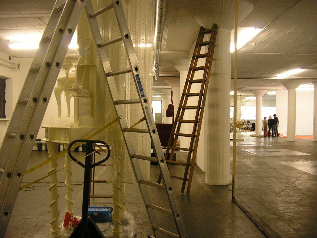 4-behausung-halle-zehn-keulen-d-2010