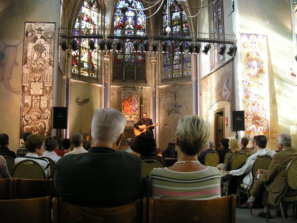 2-hels-hemels-tijdens-concert-the-lau-roepaen-ottersum-2004