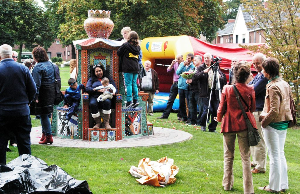 24-beatrixpark-onthullings-feest-troon-beatrixpark-horst-ad-maas-21-9-2013
