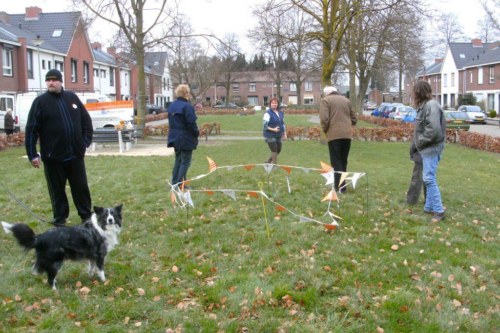4-beatrixpark-plaatsbepaling-van-de-troon-in-het-beatrixpark-i-s-m-buurtbewoners-horst-ad-maas-maart-2013